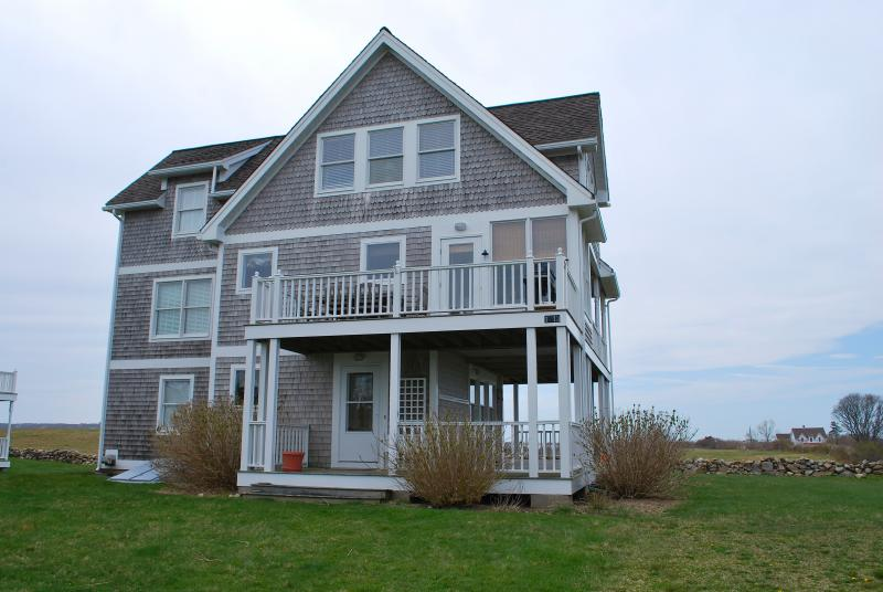 Featured property crescent beach cottage block island times for Block island cottage