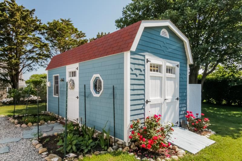 The riptide home is the quintessential block island for Block island cottage