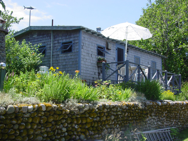 Old harbor cottage available july 16 july 23 block for Block island cottage